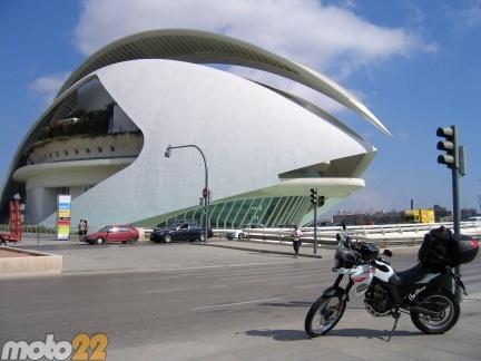 Las vacaciones de Moto 22, Alicante-Barcelona