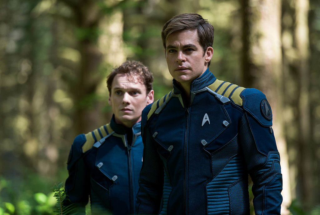 Anton Yelchin Chris Pine Star Trek Mas Alla