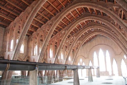 Enoturismo: la Catedral del Vino, bodega modernista en Pinell de Brai