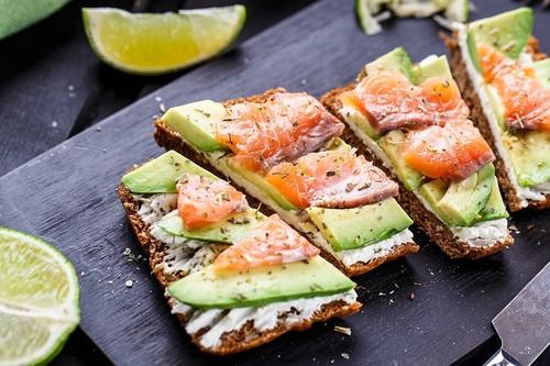Dieta baja en hidratos: reemplazos para bajar los carbohidratos y sumar más proteínas y grasas saludables