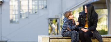 ¿A que no te gusta que te hablen desde arriba? Ponte a la altura de tu hijo: el método de escucha activa