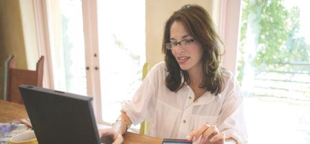 Cartera real vs. Billetera digital, ¿qué ventajas hay al pagar en línea?