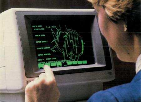 Las pantallas táctiles son tan de los 80...