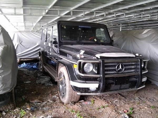 Foto de 144 coches de lujo acumulan polvo en Vietnam (12/19)
