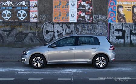 Volkswagen e-Golf en Berlín vista lateral