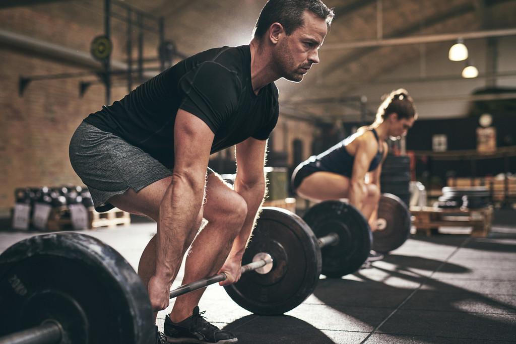 De vuelta al gimnasio tras el confinamiento: una rutina para comenzar a entrenar de nuevo