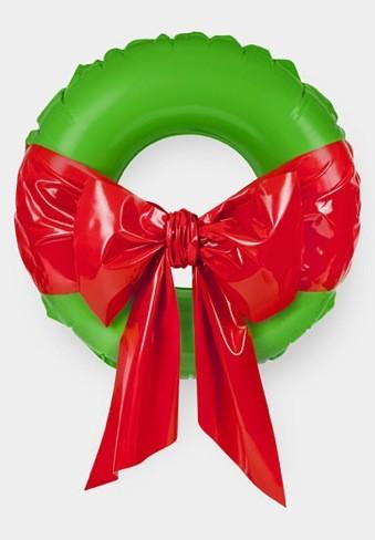 Una corona inflable para Navidad