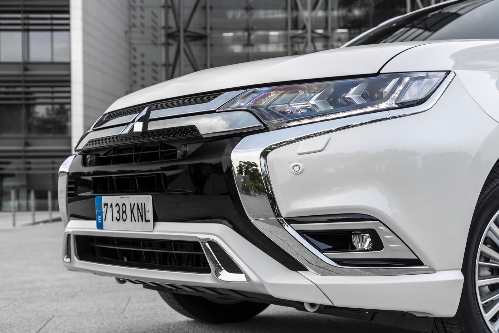 Foto de Mitsubishi Outlander PHEV 2019 (presentación) (68/69)