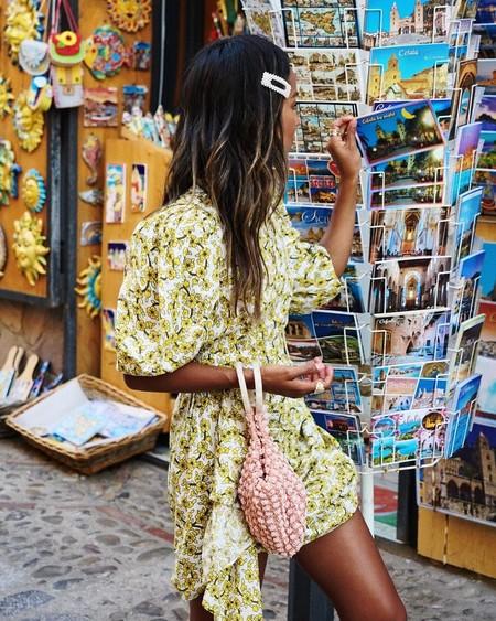 Llegó la hora de lucir piernas bronceadas: 13 vestidos cortos de rebajas clave para los días (y noches) de verano