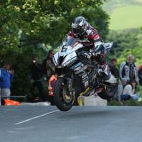 Michael Dunlop destroza el IOMTT, es el primer piloto en bajar de 17 minutos