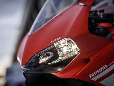 ¿Un poco de porno para acabar 2016 con una sonrisa? Pues toma galería de la Ducati 1299 Superleggera