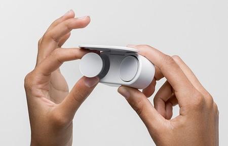Algunos comercios apuntan al 6 de mayo y un precio de 199 euros para la llegada de los Surface Earbuds a Europa