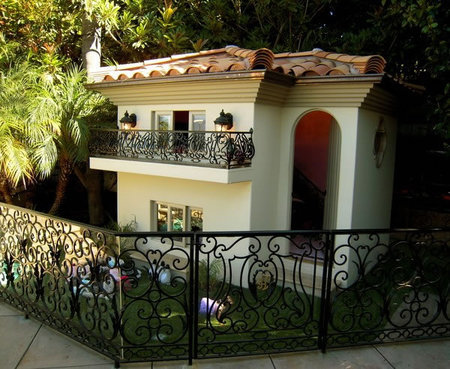 Una mansión para perros diseñada por Philippe Starck