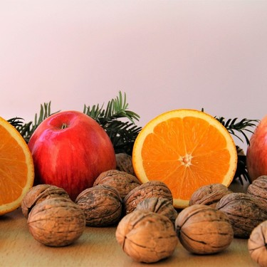 Los siete alimentos que un nutricionista te recomendaría incluir en la mesa de Navidad y Nochevieja