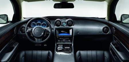 Posición de conducción Jaguar XJ Ultimate
