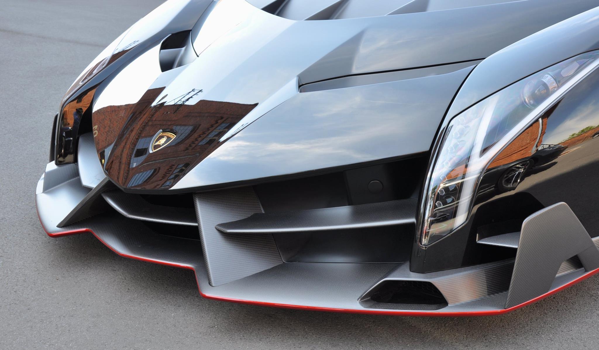 Foto de Entregan primer Lamborghini Veneno Roadster a cliente alemán (9/13)