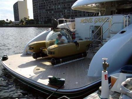 Un mini-submarino para los transfers desde tu megayate