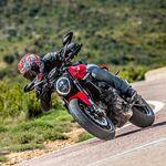 Probamos la nueva Ducati Monster: el monstruo de las naked deportivas ahora tiene 110 CV y es más ágil que nunca