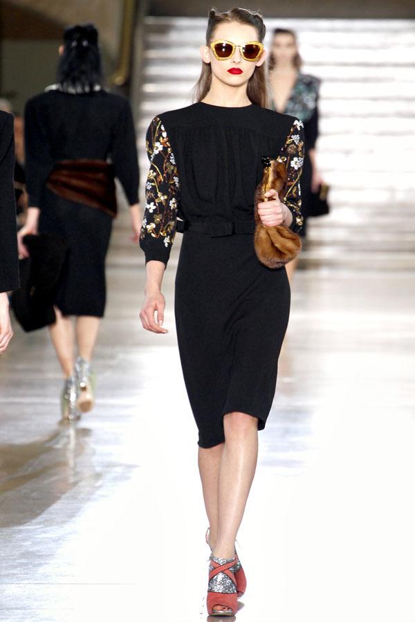 Foto de Miu Miu Otoño-Invierno 2011/2012 en la Semana de la Moda de París: Miuccia Prada al rescate (10/20)