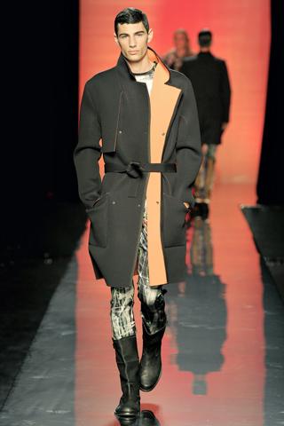 Foto de Jean Paul Gaultier Otoño-Invierno 2011/2012 en la Semana de la Moda de Paris (16/40)