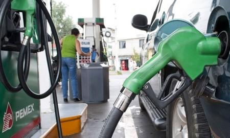 Este será el precio de la gasolina y diesel a partir del 1 de enero en México, aquí va el golpe
