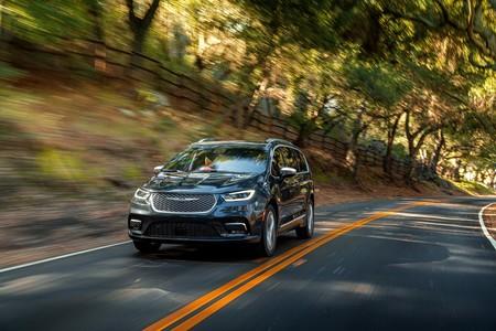 Chrysler Pacifica 2021 se renueva con más tecnología y más seguridad