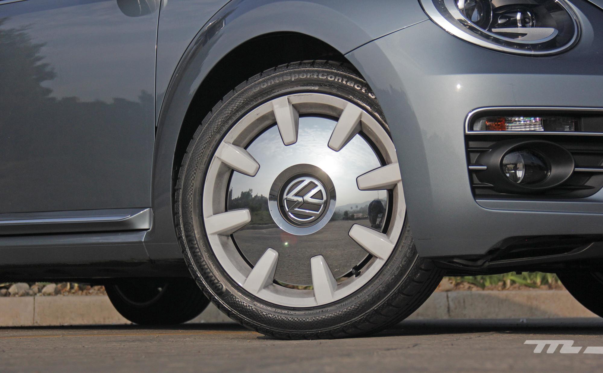 Foto de Volkswagen Beetle Final Edition 2019 prueba (2/25)