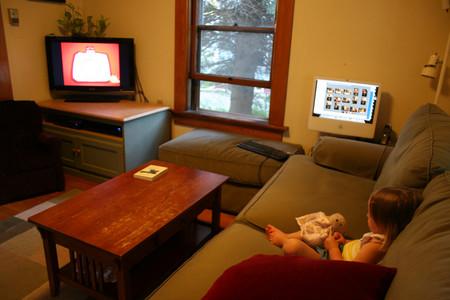 Niño viendo tv