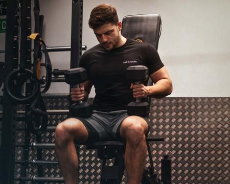Cómo empezar a entrenar en el gimnasio si eres novato: entrenamiento de las semanas 9 y 10
