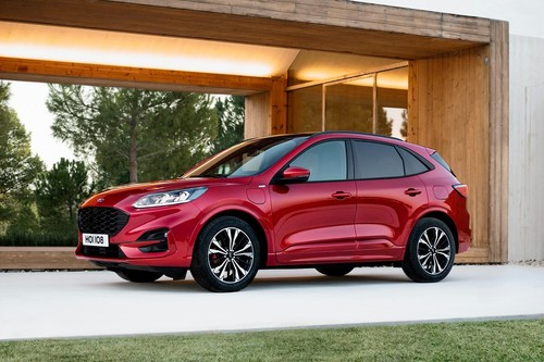 Todo sobre el nuevo Ford Kuga: el primer coche híbrido 'made in Spain' tiene 56 km de autonomía y etiqueta CERO