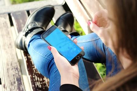 Hay investigadores que sostienen que el móvil sustituye a las drogas entre los jóvenes