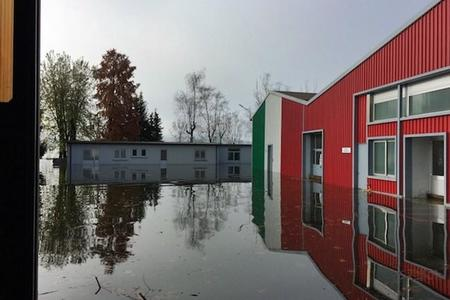 Las instalaciones de MV Agusta inundadas por el Lago Varese