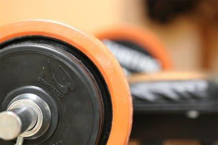 Combinar ejercicios convencionales con superseries para conseguir una mayor definición