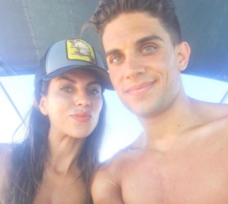 Melissa Jiménez y Marc Bartra: fin de vacaciones y a otra cosa mariposa