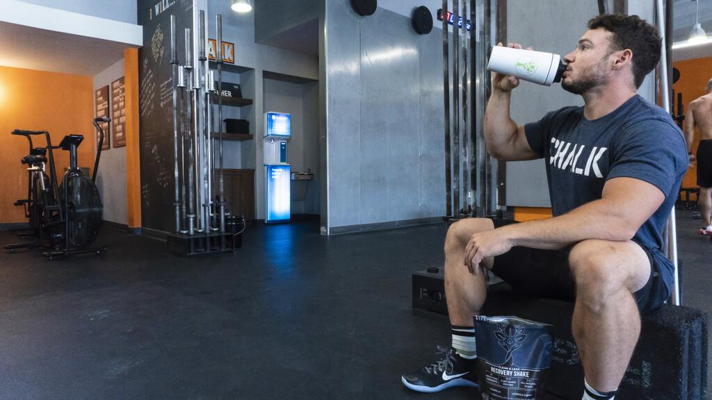 Proteínas para ganar masa muscular: cuáles son los alimentos que no pueden faltar en tu dieta si entrenas en el gimnasio