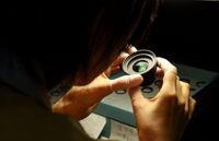 Así es como Kowa fabrica sus ópticas Prominar: con una interesante mezcla de alta tecnología y artesanía