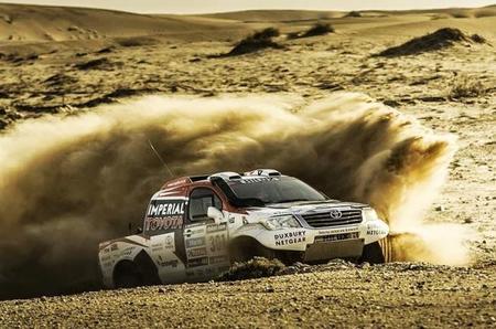 Así se construye el Toyota Hilux para el Dakar 2014