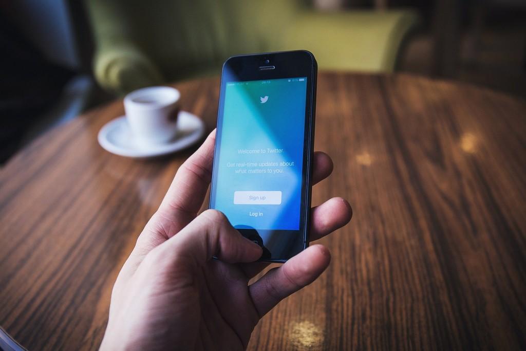 Twitter endurece las medidas contra la desinformación sobre elecciones etiquetando y eliminando tuits