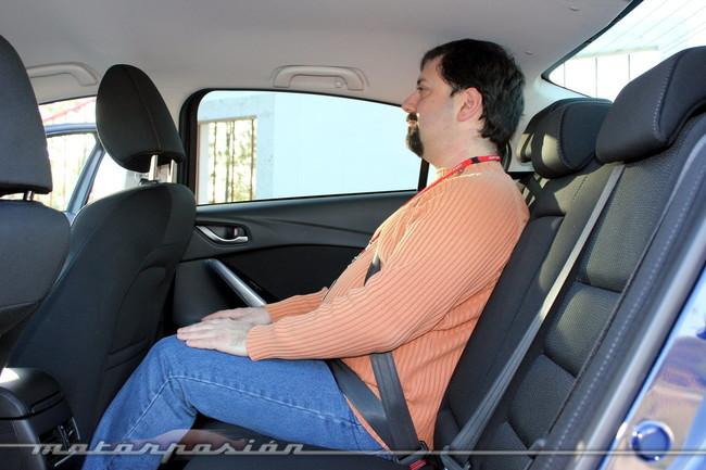 Mazda6, vista interior de las plazas traseras del Sedán