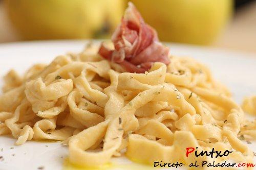 C mo hacer pasta fresca la receta for Cocinar noodles