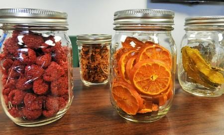 Cómo hacer fruta deshidratada en casa. Un postre saludable para tu familia
