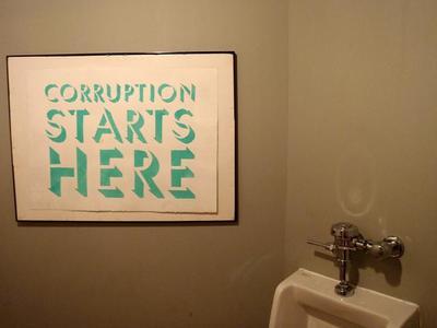Los intermediarios son necesarios (incluso para los corruptos)
