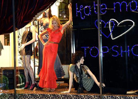 """Kate Moss arrasa en Londres con su colección """"KM Topshop"""""""