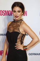 Fiesta Cosmopolitan, glamour a raudales entre famosos patrios