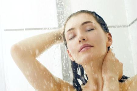 Algunos puntos a tener en cuenta en la ducha para no dañar la piel