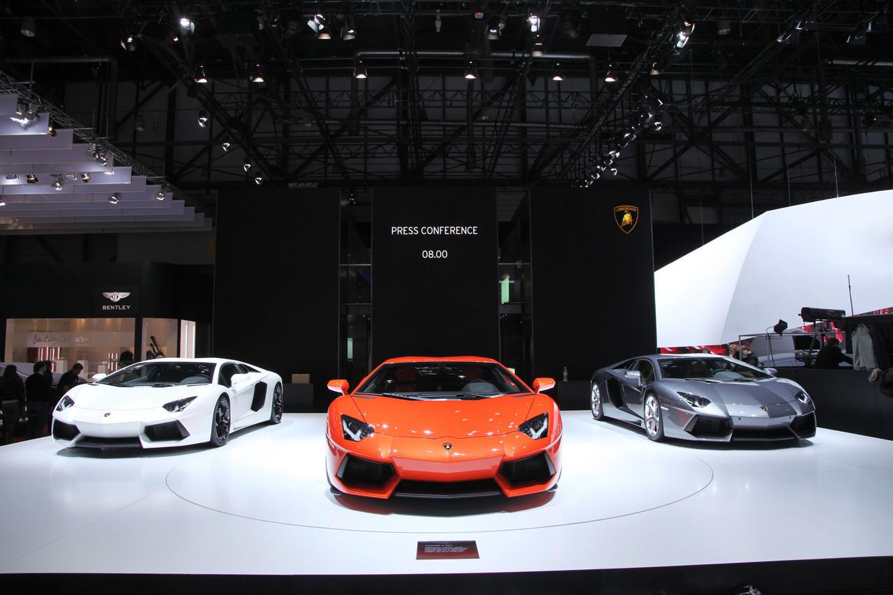 Foto de Lamborghini Aventador LP700-4 (34/62)
