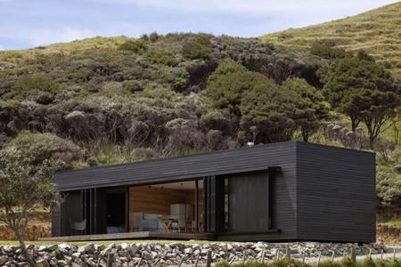 Puertas abiertas: una cabaña ecológica y contemporánea en Nueva Zelanda