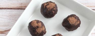 Receta fácil y rápida de trufas de aguacate perfecta para rematar las comidas familiares (con vídeo incluido)