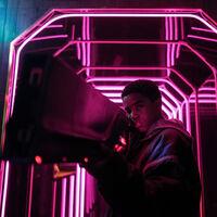 'Kin': Netflix rescata una singular pieza de ciencia-ficción juvenil y nostálgica de uno de los productores de 'Stranger Things'