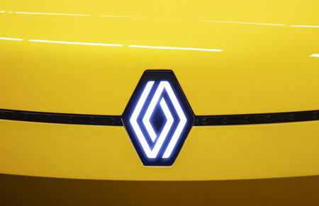 """Renault defiende su plan industrial: """"Todavía no hay masa crítica para vender coches eléctricos"""""""
